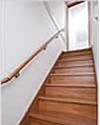 手すり付き階段イメージ